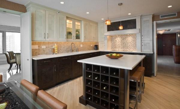 cocina contemporanea con estante para vinos