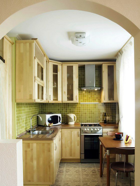cocina pequeña de madera