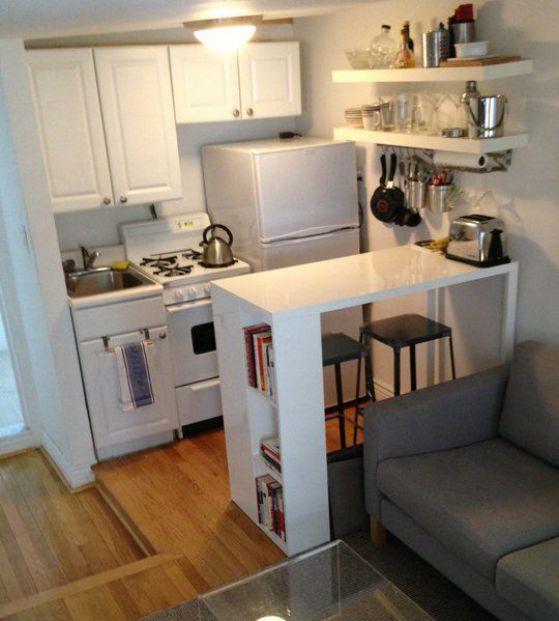cocina tipo apartamento con barra