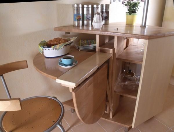 mesa sencilla escondida para cocina
