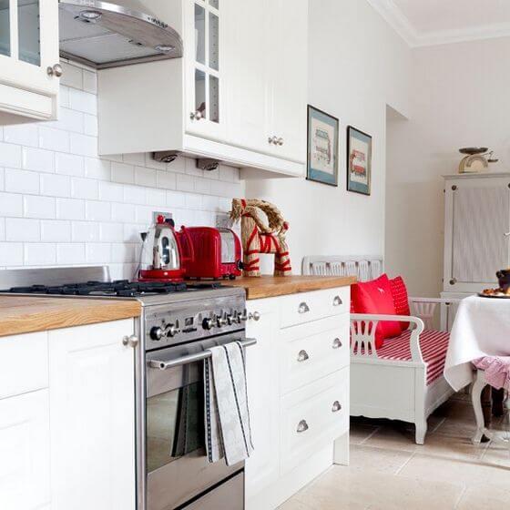 cocina decoracion rojo y blanco