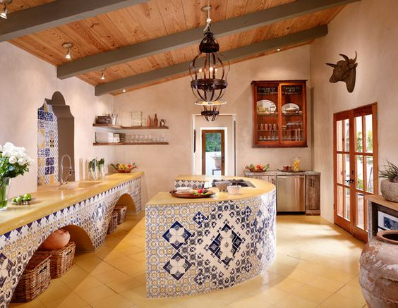 Cocinas r sticas de madera piedra ladrillo y dise os for Tipos de cocina arquitectura