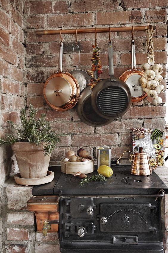 Cocinas r sticas de madera piedra ladrillo y dise os for Ideas para cocinas pequenas rusticas