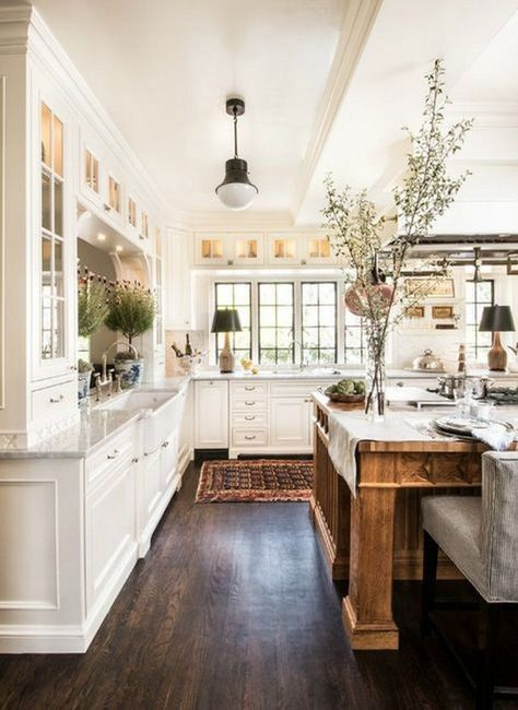Cocinas r sticas de madera piedra ladrillo y dise os for Cocinas tradicionales blancas