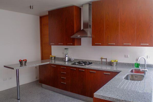 Gabinetes de cocina en madera barranquilla for Ideas de gabinetes de cocina