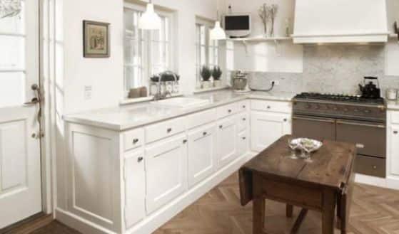 diseno-de-cocina-de-color-blanco-con-un-toque-escandinavo-11