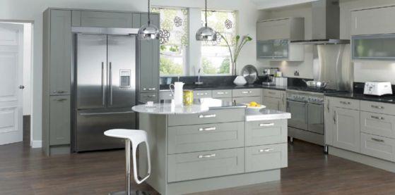 Colores para cocinas las mejores combinaciones para cada for Cocinas modernas en gris y blanco